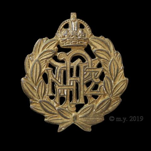 Royal New Zealand Air Force Cap Badge. KC