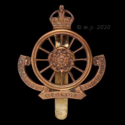 9th (Cyclist) Battalion The Hampshire Regiment Cap Badge