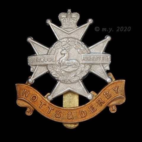 Notts & Derby Regiment Queen's Crown cap badge
