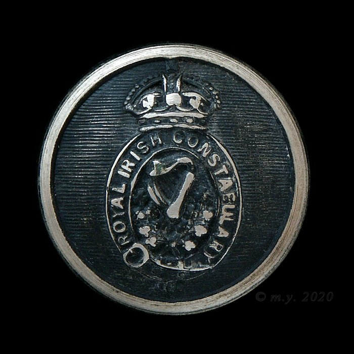 Royal Irish Constabulary Uniform Button pre 1922
